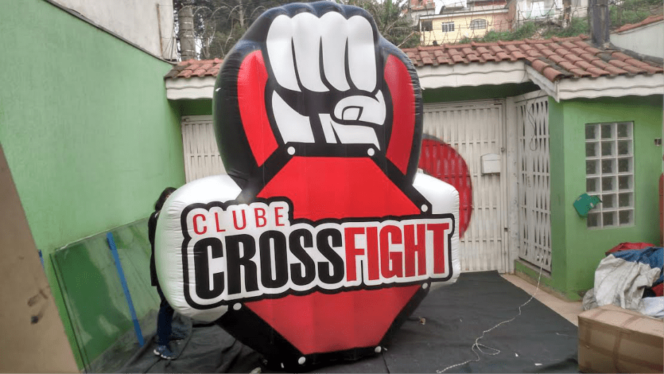 logomarca inflavel clube cross fight